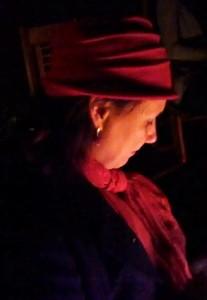 Ana Lizete em fogueira de Confraternização do grupo